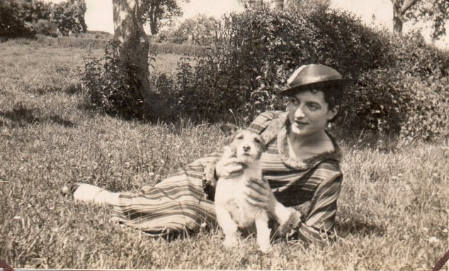 richard - lady with dog